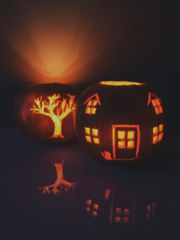 house and tree pumpkin