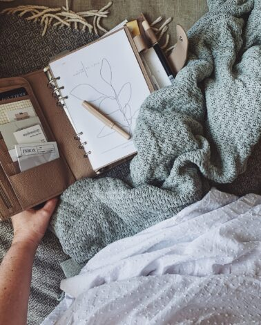 minimal planner with blanket and dress